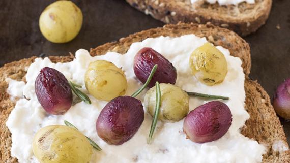 Grilled Grape & Burrata Crostini Recipe Image