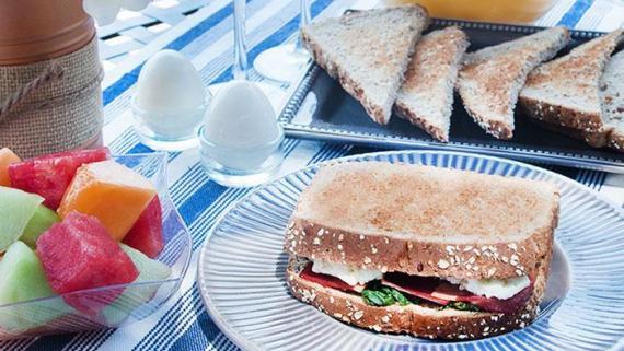 Turkey Bacon, Egg White, Spinach Breakfast Sandwich Recipe Image